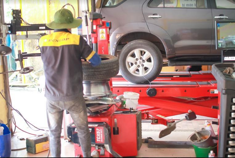 dịch vụ thay vá lốp ô tô lưu động tại Nghệ An