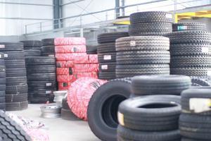 Sử dụng lốp xe ô tô cần đảm bảo an toàn