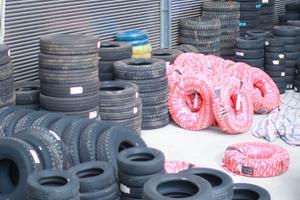 An toàn khi lái xe - Thay lốp xe ô tô đúng thời điểm