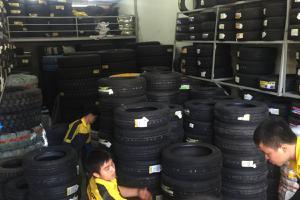 Sự thay đổi khác thường của lốp xe ô tô bạn cần biết
