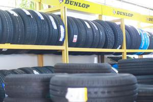 Những tác nhân ảnh hưởng đến tuổi thọ của lốp xe ô tô