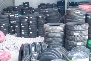 Thay vá lốp ô tô lưu động tại Nghệ An 24/24 uy tín nhanh chóng hiệu quả